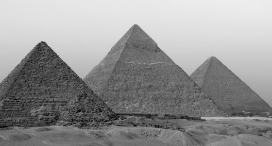 gray_egypt_pyramids_giza_desert_stuff_hd-wallpaper-249429